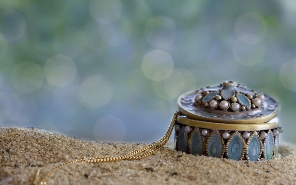 necklace-wallpaper-35487-36297-hd-wallpapers