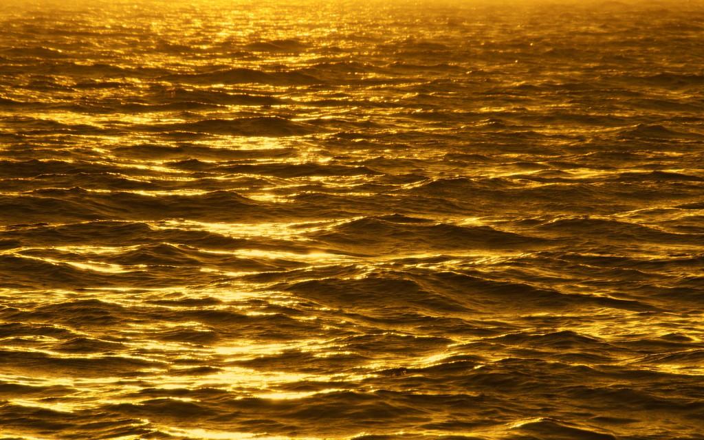 pretty-gold-wallpaper-45082-46252-hd-wallpapers