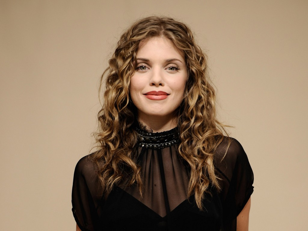 annalynne mccord pictures wallpapers