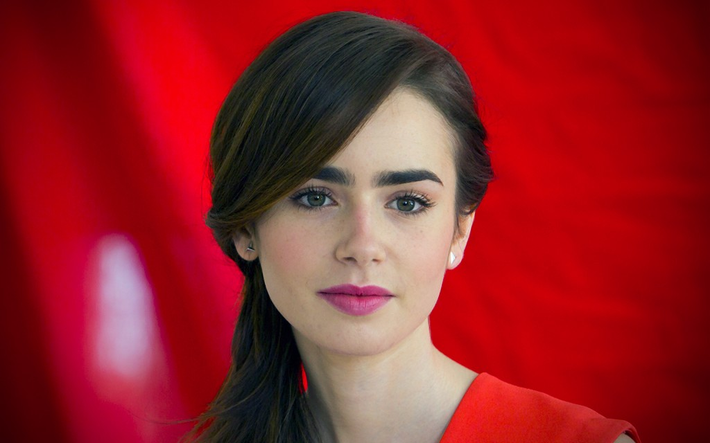 beautiful-lily-collins-34357-35132-hd-wallpapers