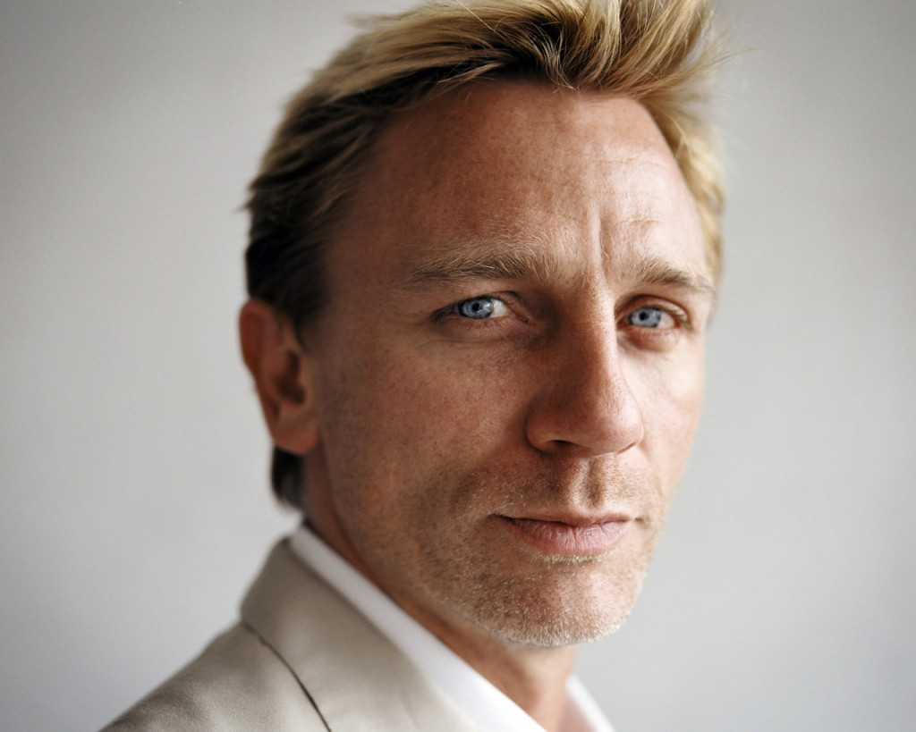 daniel-craig-hd-30198-30915-hd-wallpapers