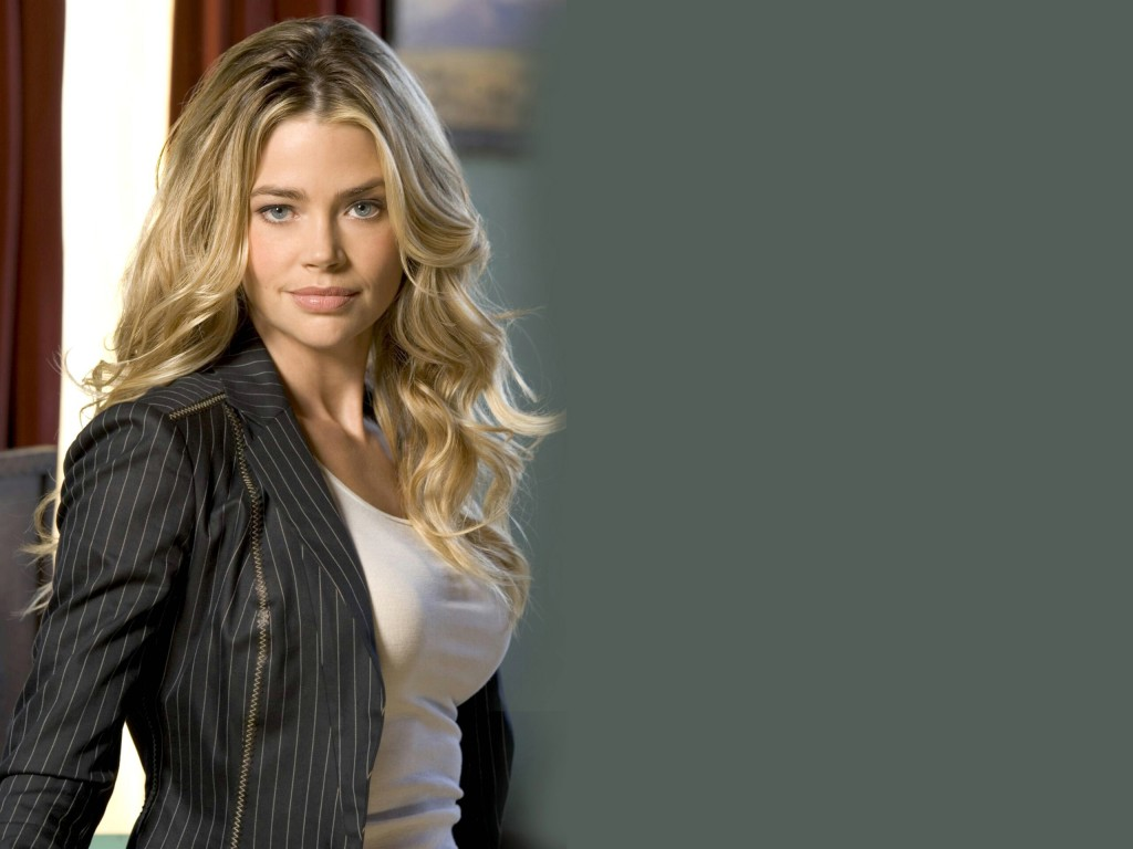 denise-richards-wallpaper-51063-52759-hd-wallpapers