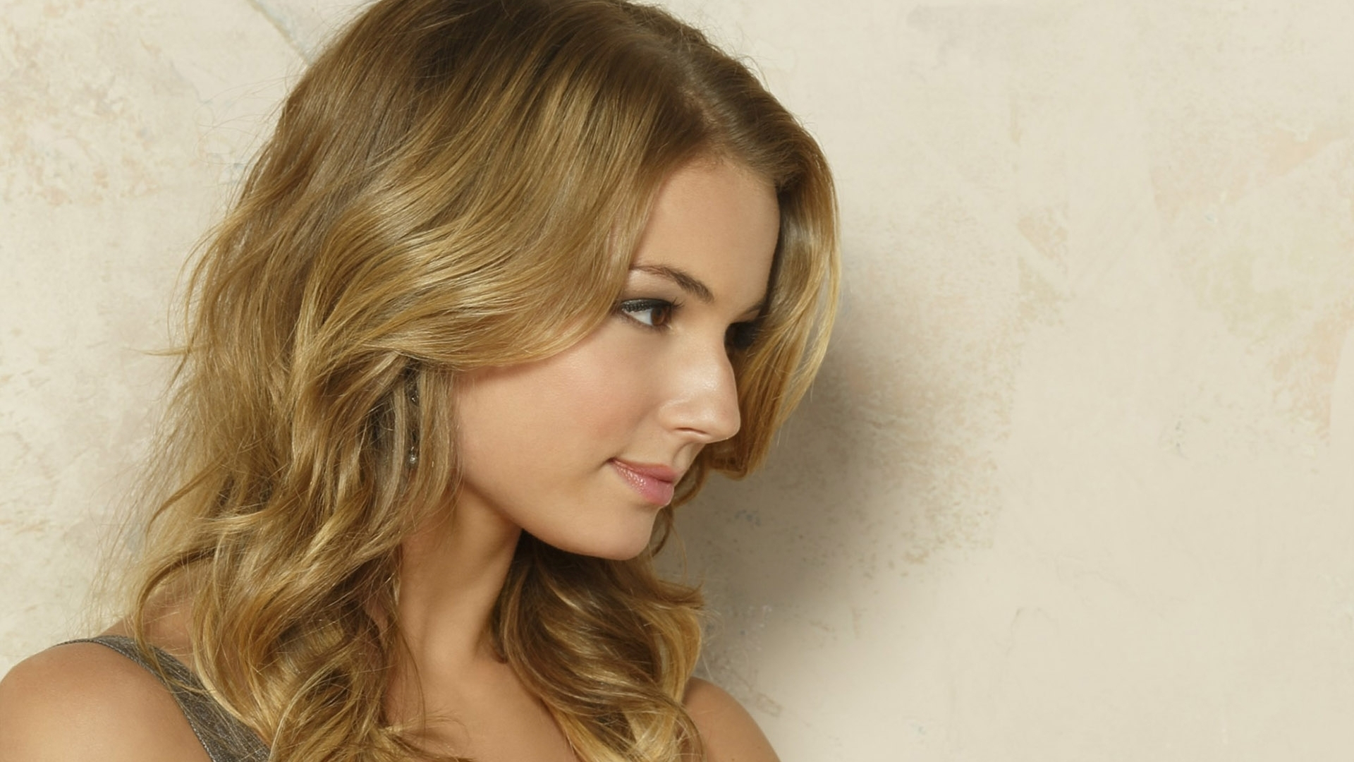 20 Hd Emily Vancamp Wallpapers-9103