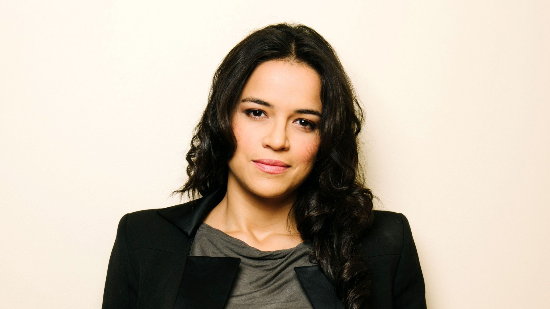 Georgina Rodriguez Hd Wallpapers Download: 14 HD Michelle Rodriguez Wallpapers