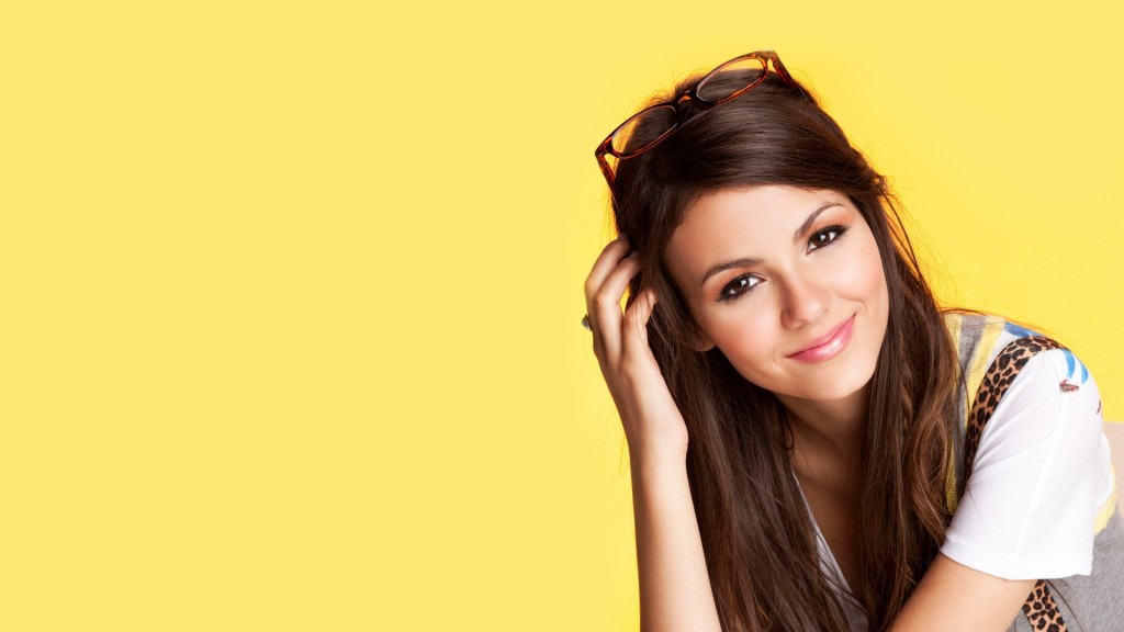 free-victoria-justice-wallpaper-19837-20334-hd-wallpapers