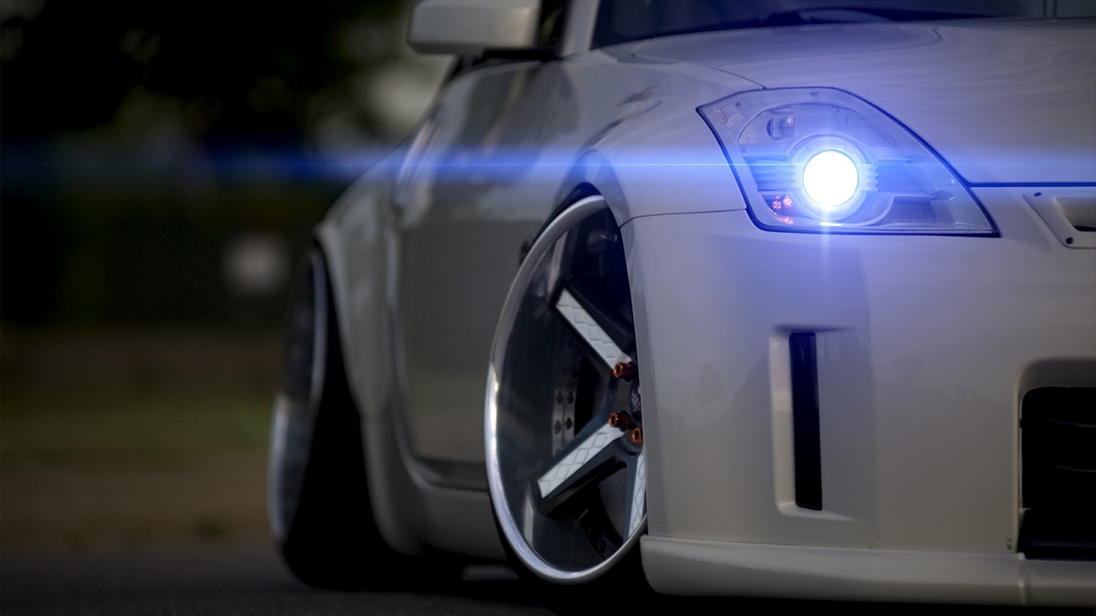 19 Awesome HD Headlights Wallpapers