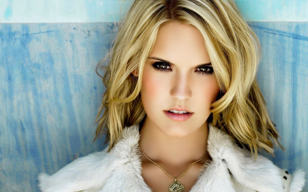 maggie-grace-hot-25728-26410-hd-wallpapers