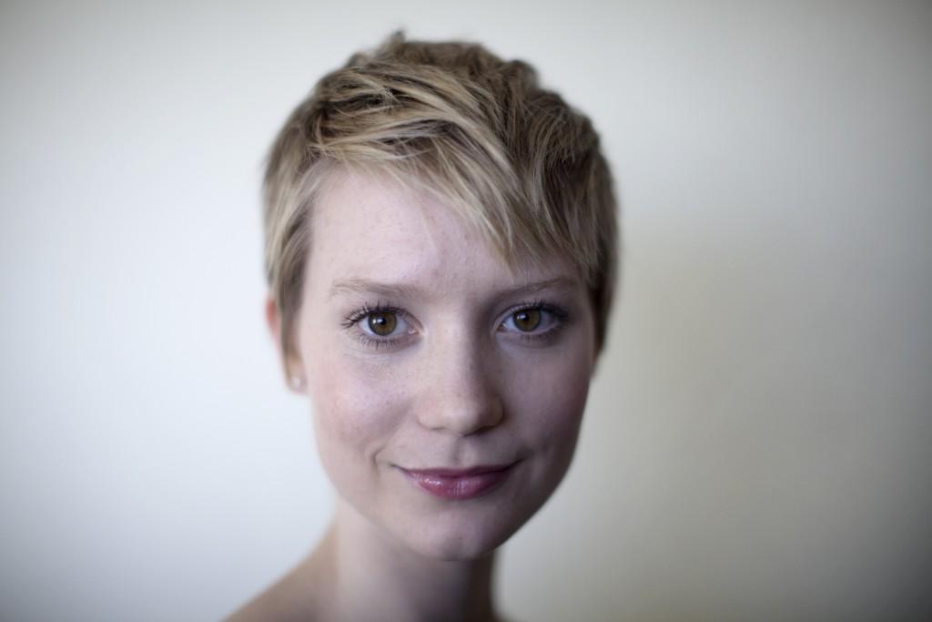 mia-wasikowska face wallpapers