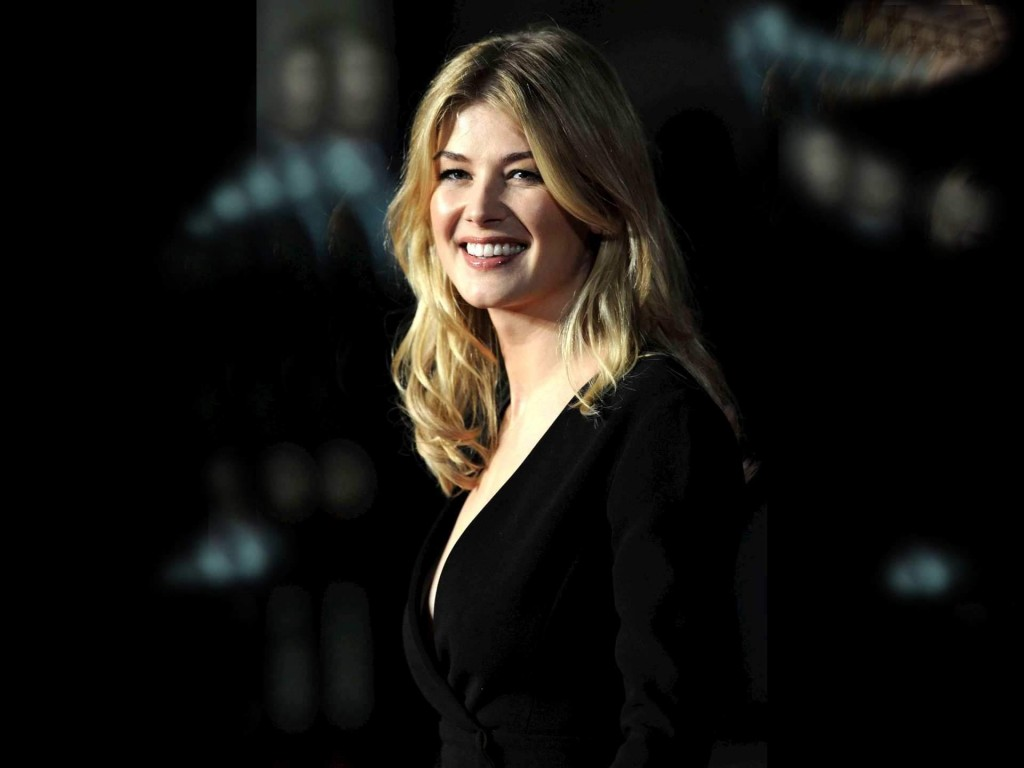 rosamund pike smile wallpapers