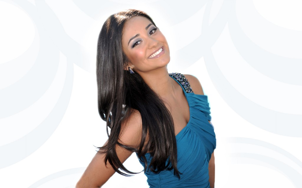 shay mitchell smile wallpapers