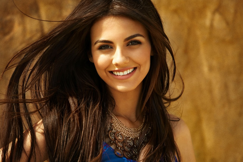 victoria-justice-8424-8757-hd-wallpapers