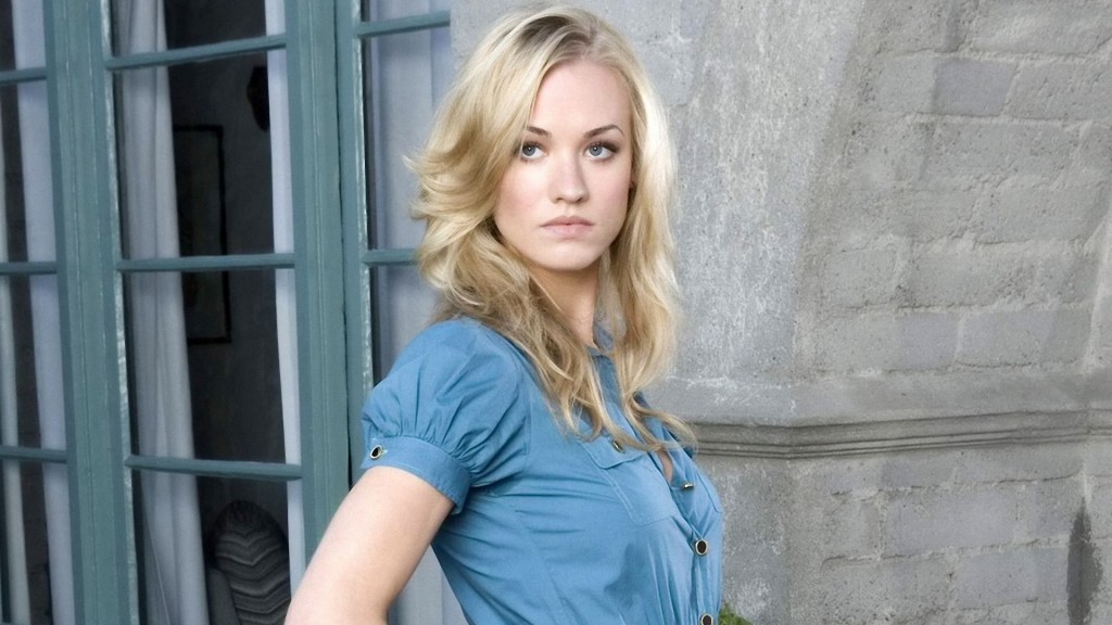 yvonne-strahovski-wallpaper-22748-23380-hd-wallpapers