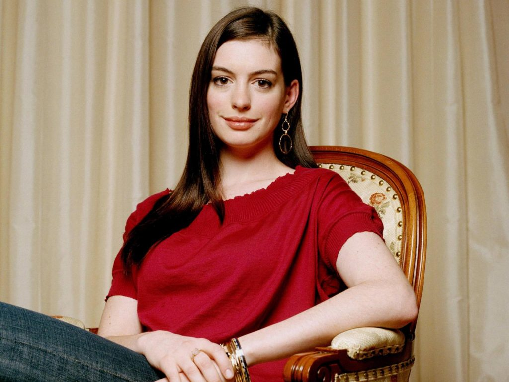 anne-hathaway-16505-17043-hd-wallpapers