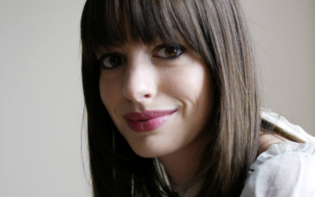 anne-hathaway-16519-17057-hd-wallpapers