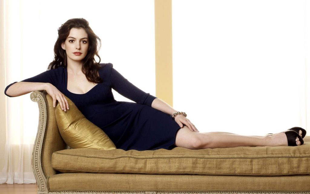 anne hathaway actress wallpapers