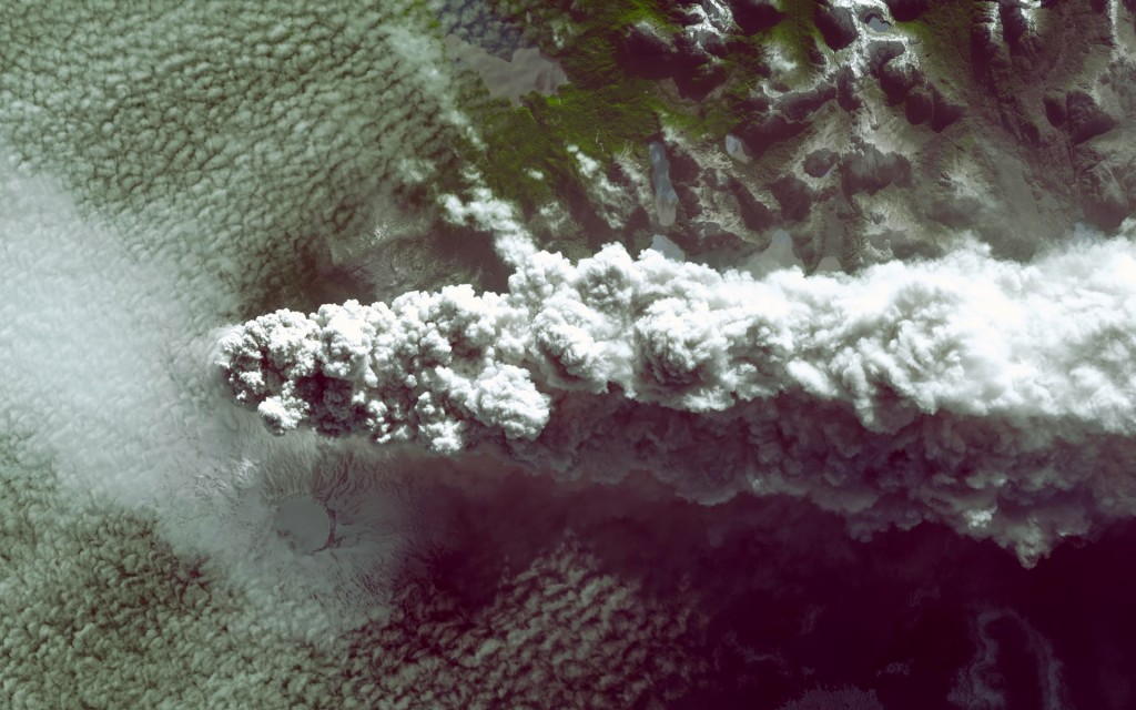 cool-volcano-smoke-wallpaper-42561-43570-hd-wallpapers