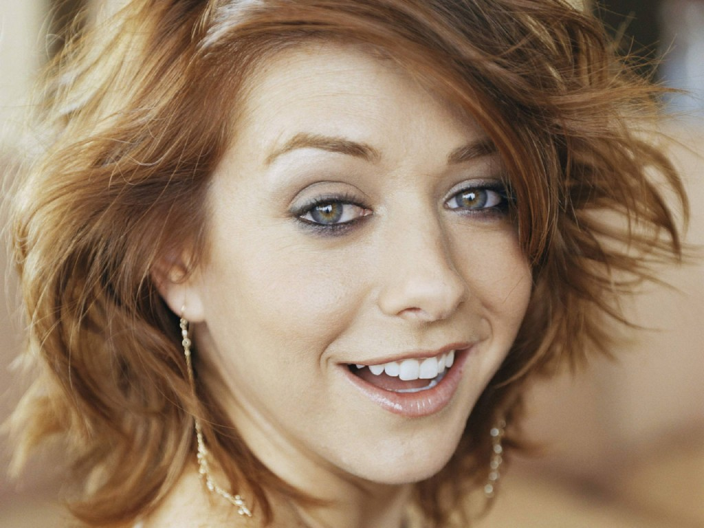 cute-alyson-hannigan-24773-25445-hd-wallpapers
