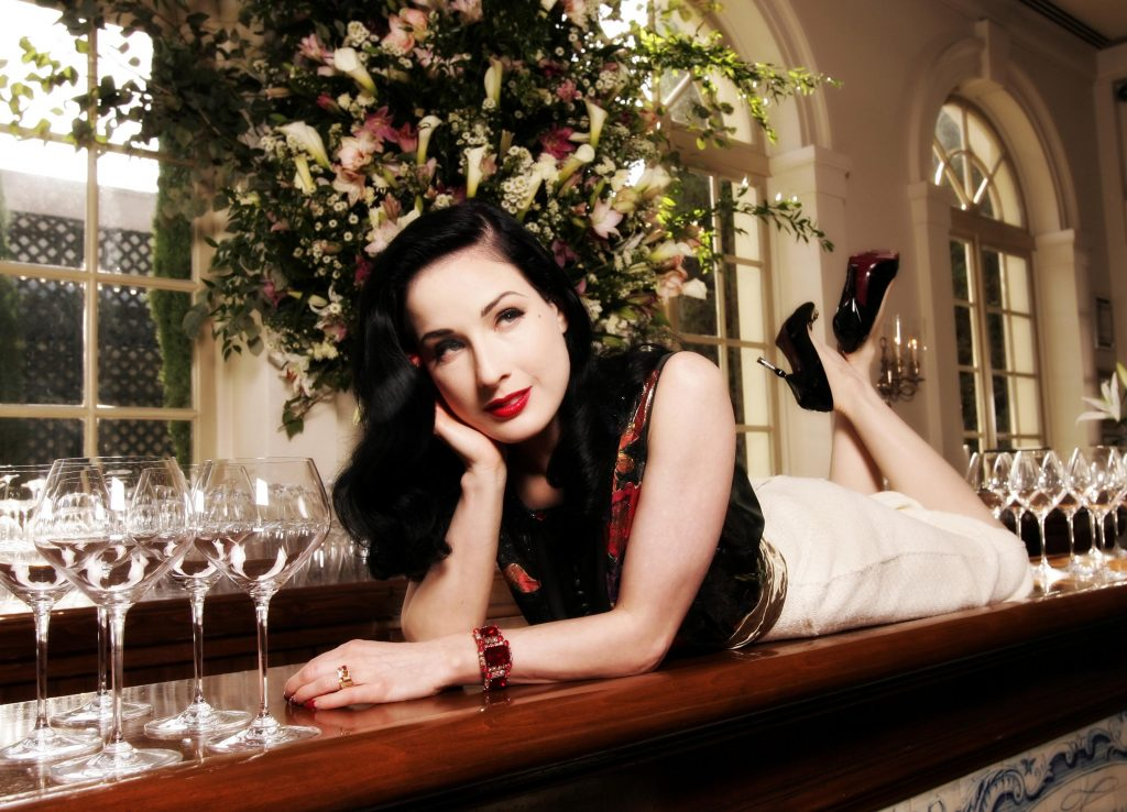 dita von teese widescreen wallpapers