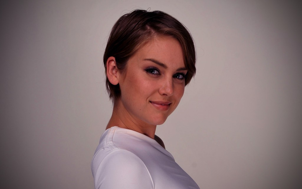 jessica stroup short hair wallpapers