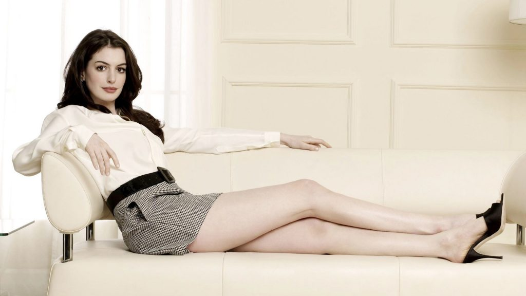 sexy anne hathaway wallpapers