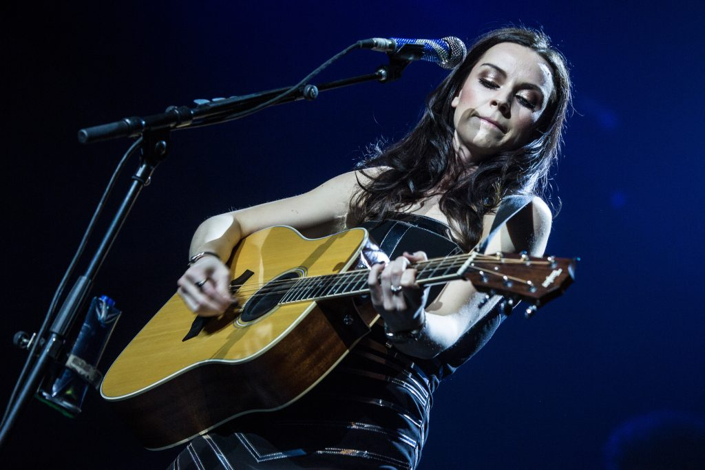 amy macdonald widescreen wallpapers