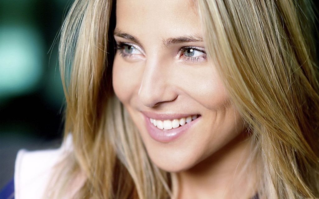 elsa pataky smile wallpapers