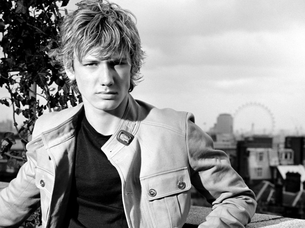alex pettyfer pictures wallpapers