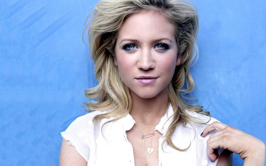 brittany snow desktop wallpapers