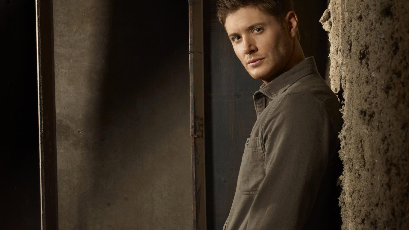 22 HD Jensen Ackles Wa...