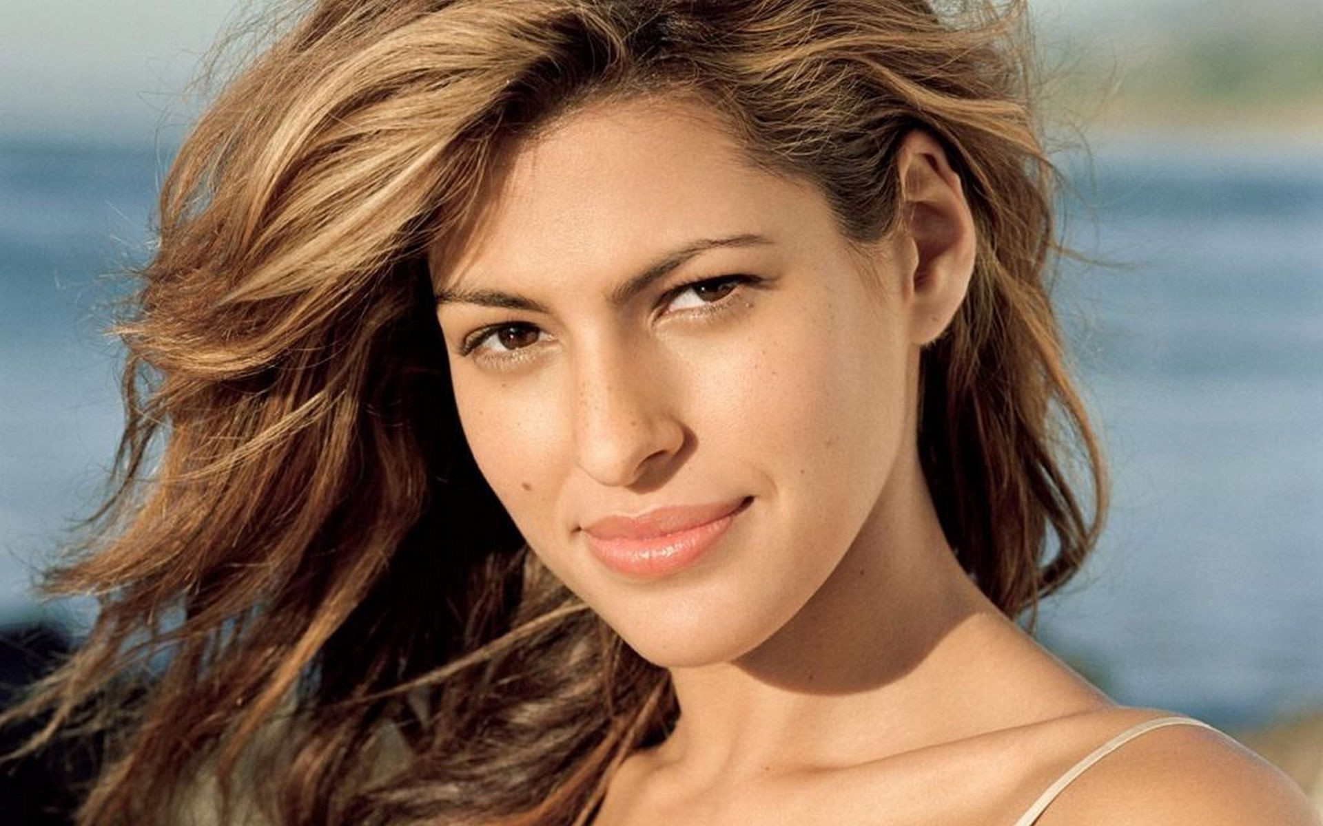 21 Gorgeous Hd Eva Mendes Wallpapers