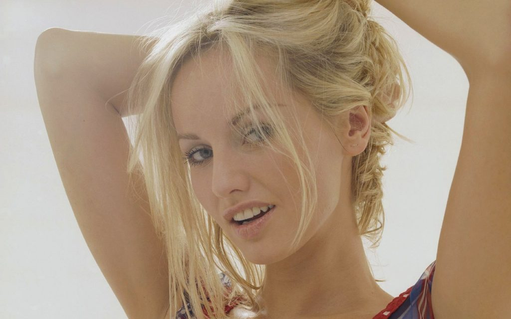 adriana karembeu pictures wallpapers