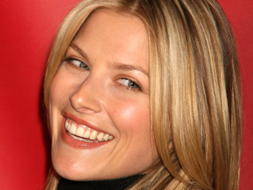 ali larter smile wallpapers