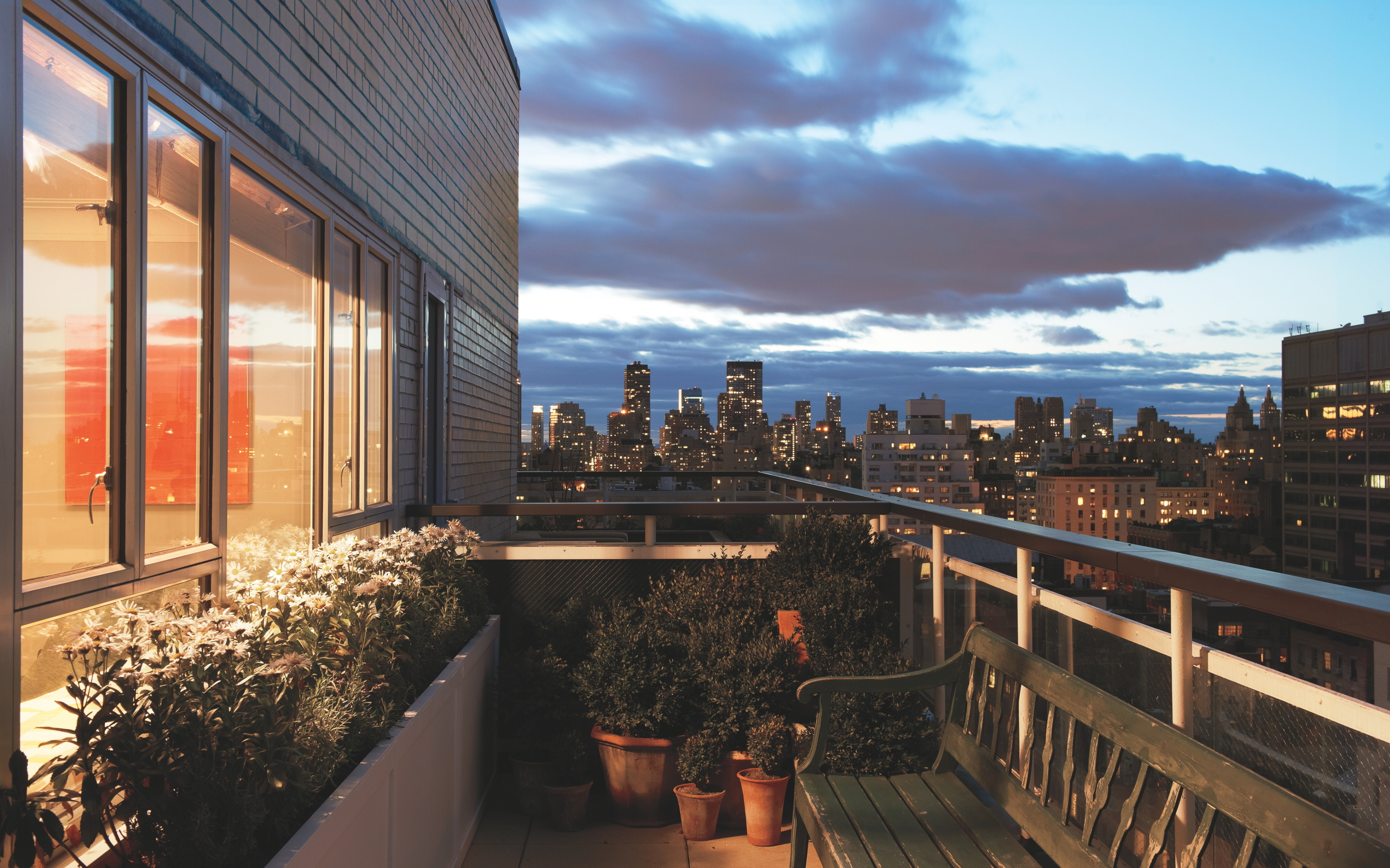 13 fantastic hd balcony wallpapers for New york balcony view