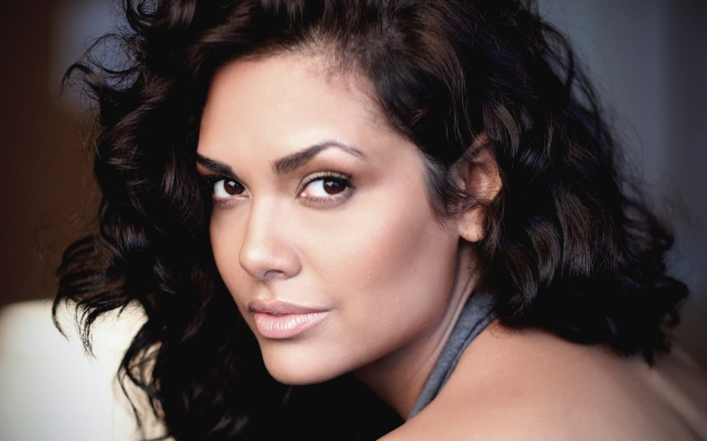 esha gupta face hd wallpapers
