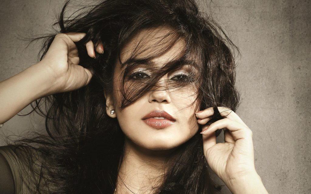 huma qureshi wallpapers