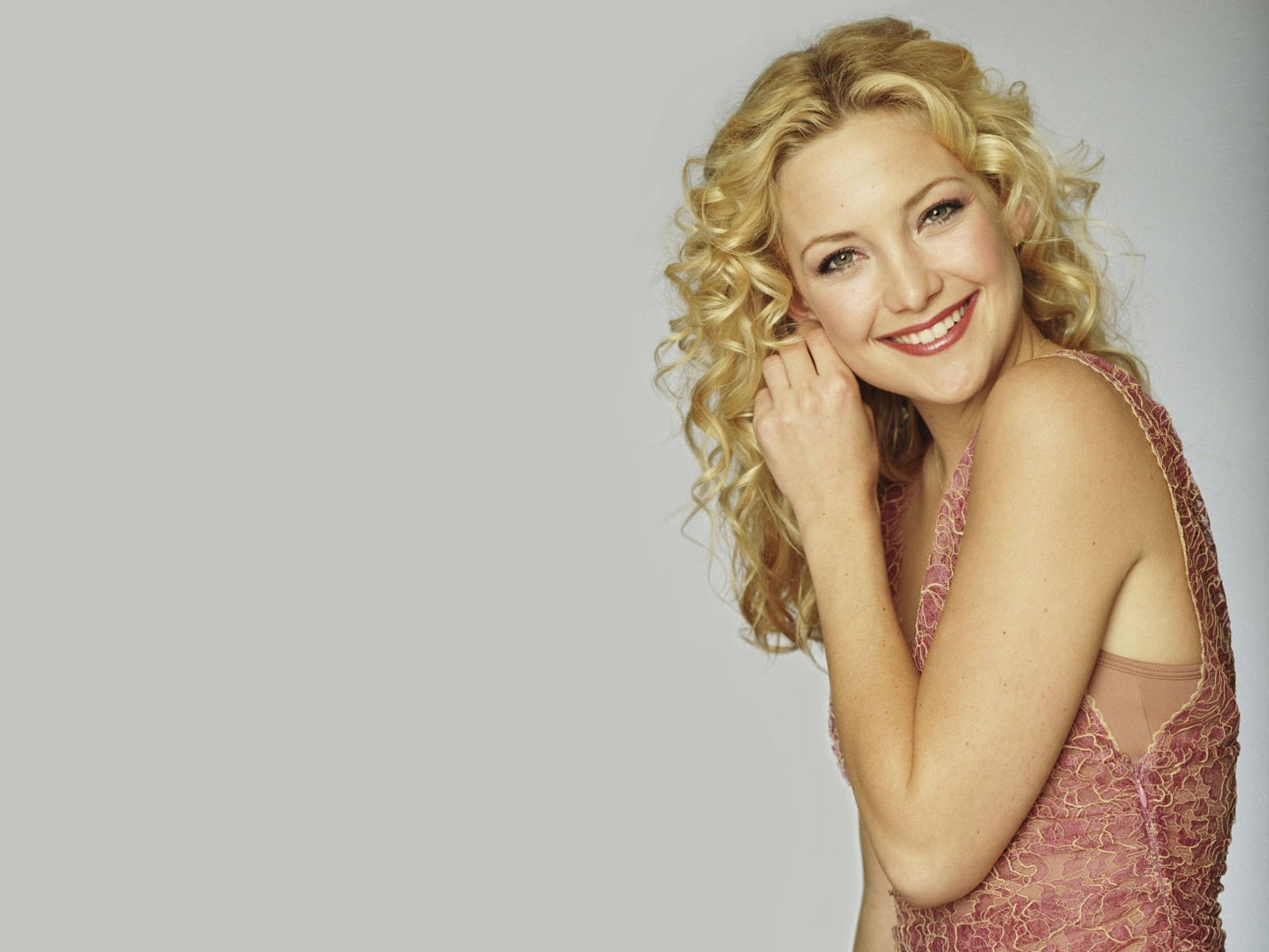 cleavage Is a cute Kate Hudson naked photo 2017