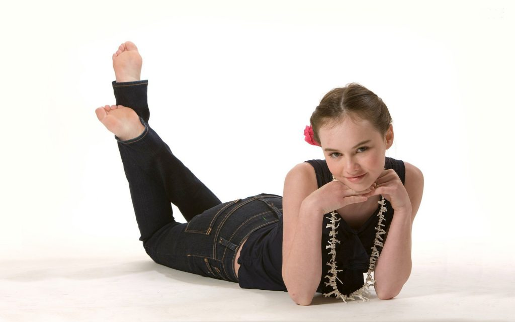 madeline carroll desktop wallpapers