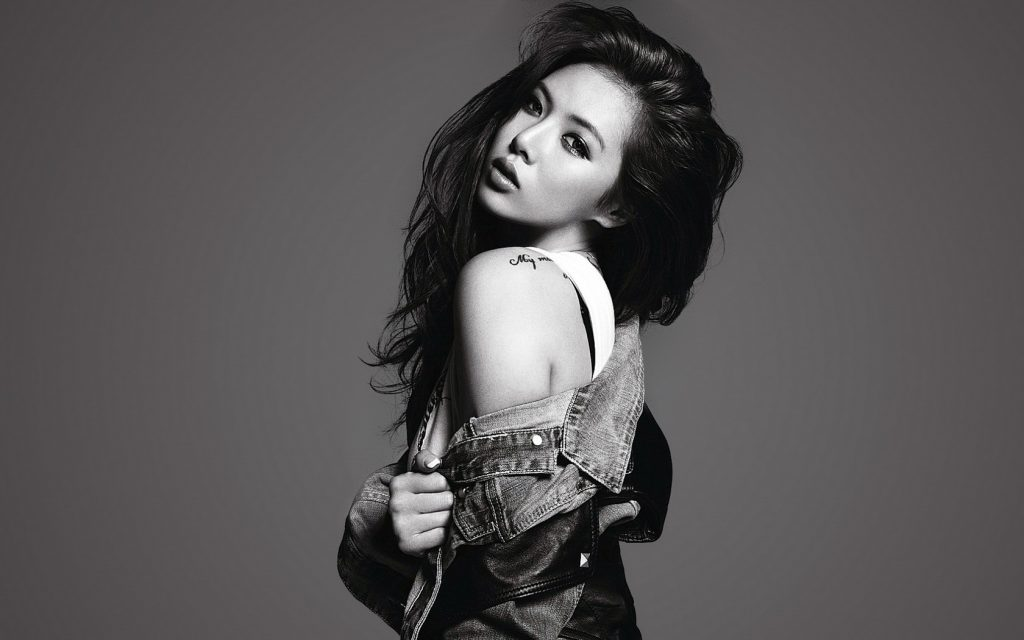 monochrome hyuna kim wallpapers