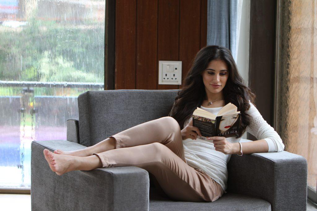 nargis fakhri reading wallpapers