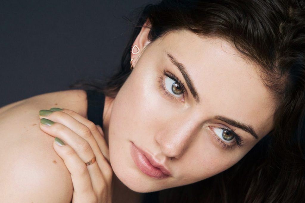 phoebe tonkin pictures wallpapers