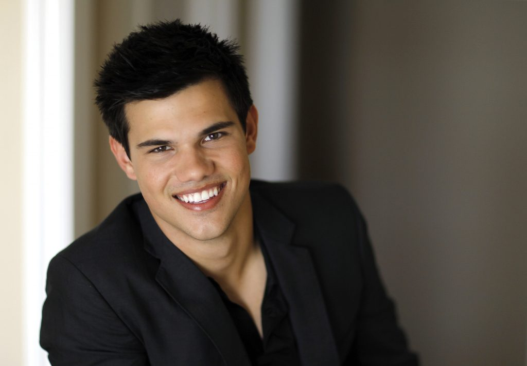 taylor lautner celebrity wallpapers