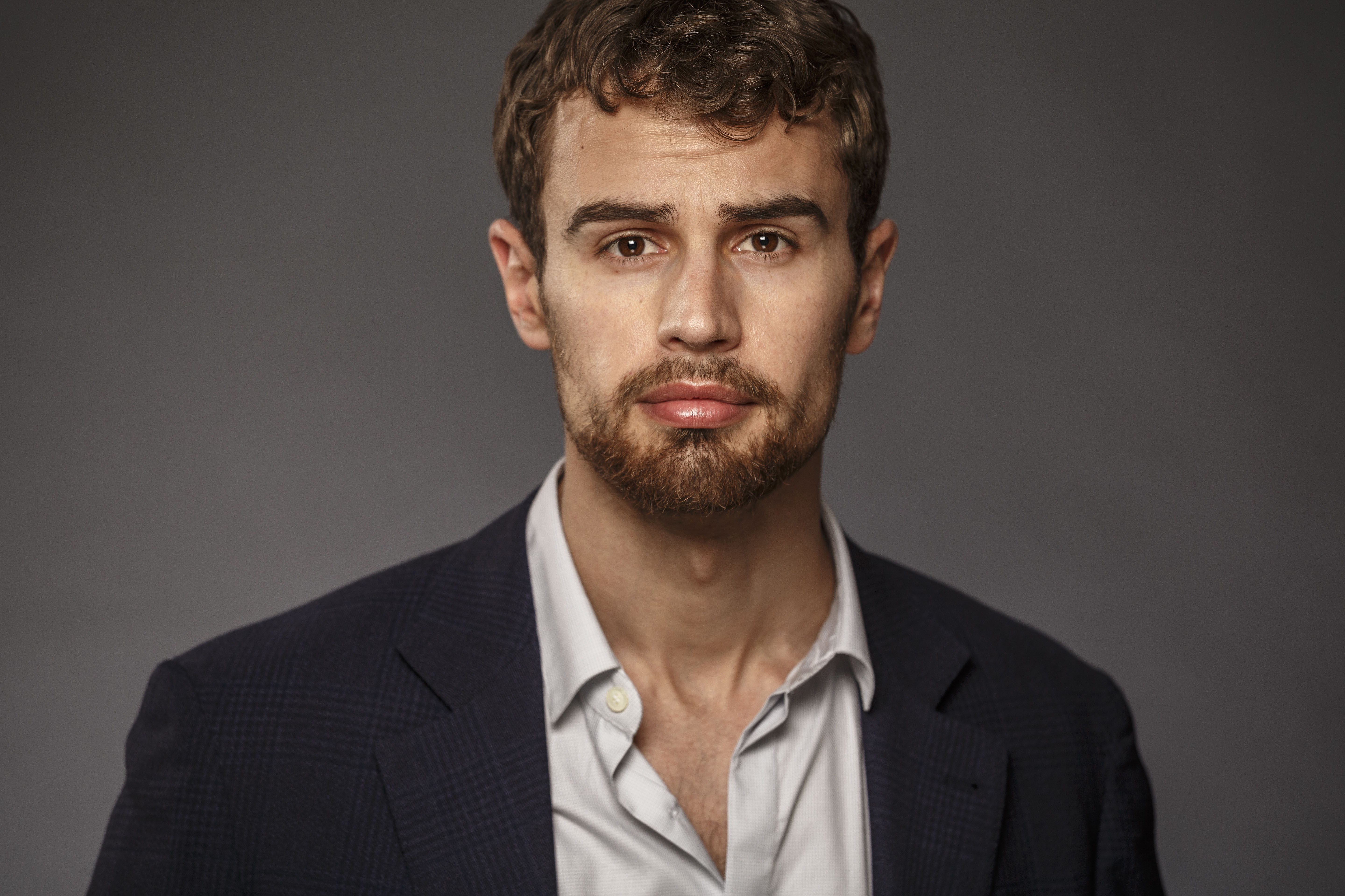 6 Hd Theo James Wallpapers