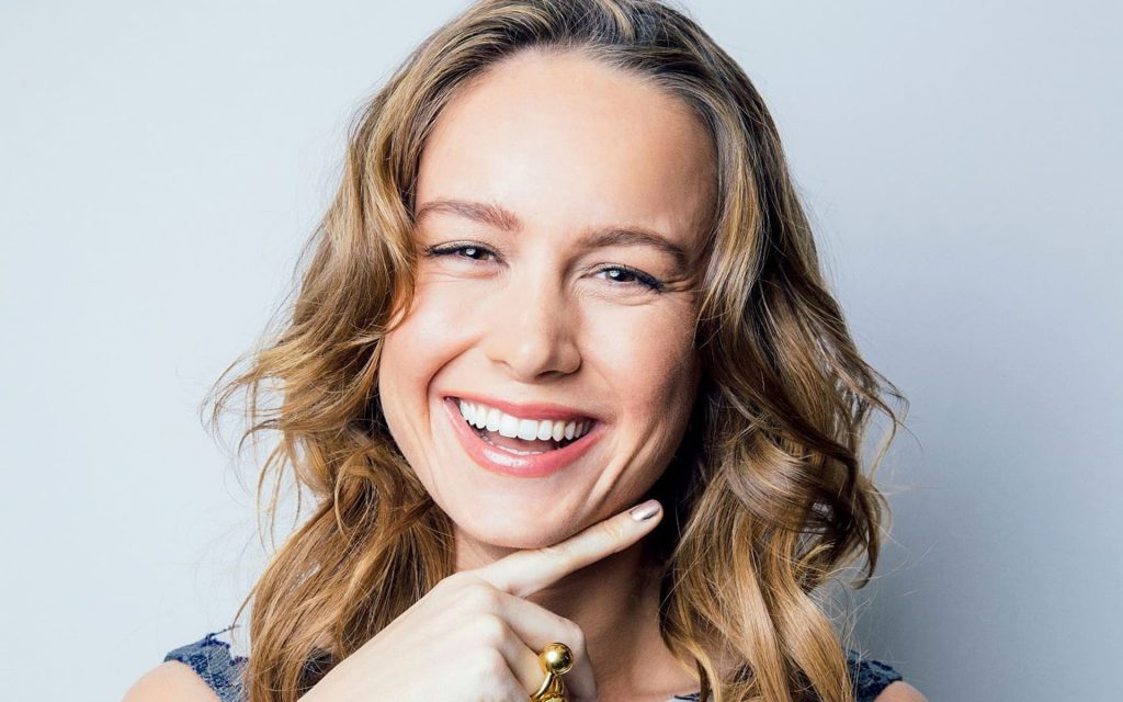 brie larson smile wallpapers