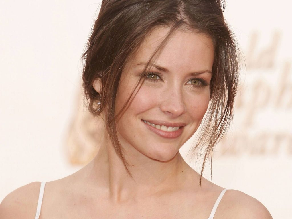 evangeline lilly smile pictures wallpapers