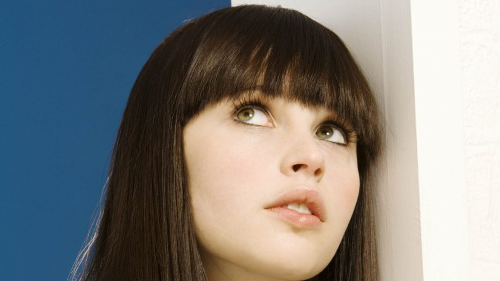 felicity jones face pictures wallpapers