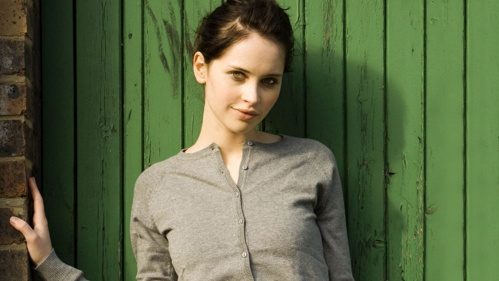 felicity jones hd wallpapers