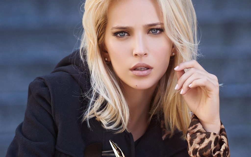 luisana lopilano desktop wallpapers