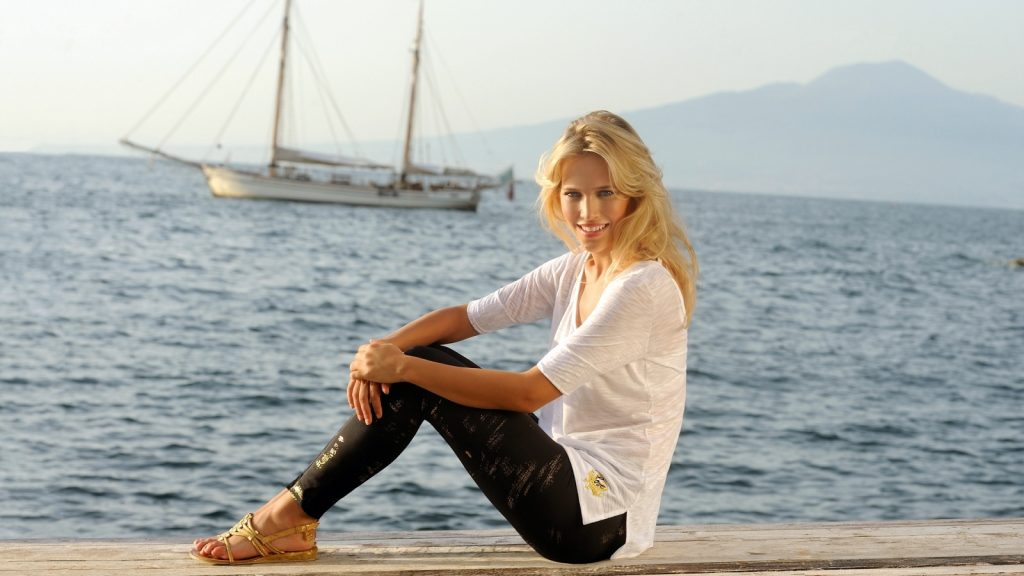 luisana lopilano wallpapers