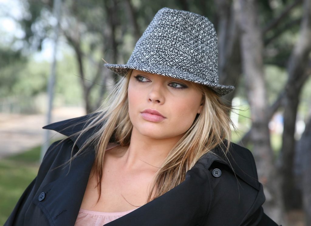 margot robbie hat wallpapers