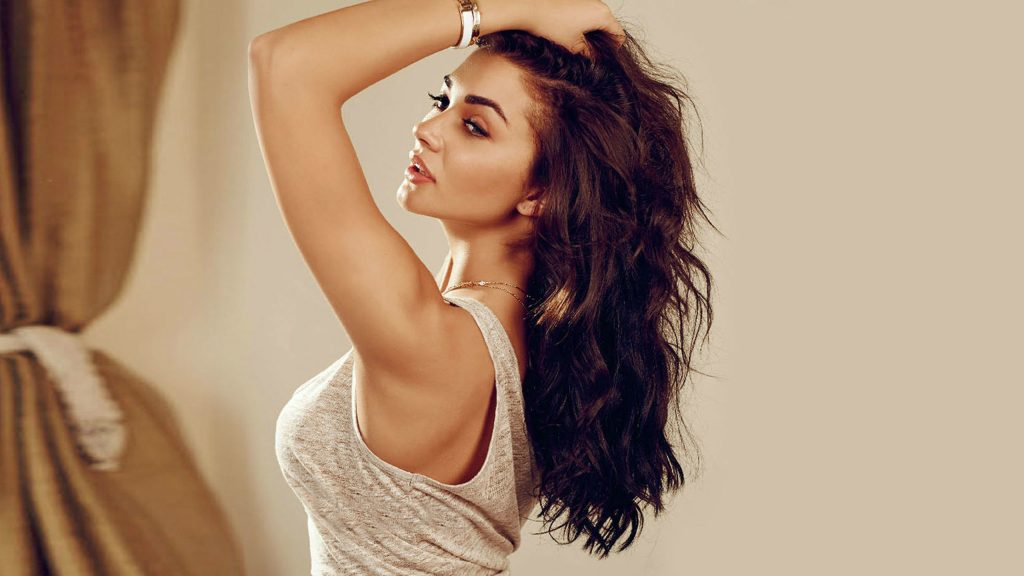 sexy amy jackson background wallpapers